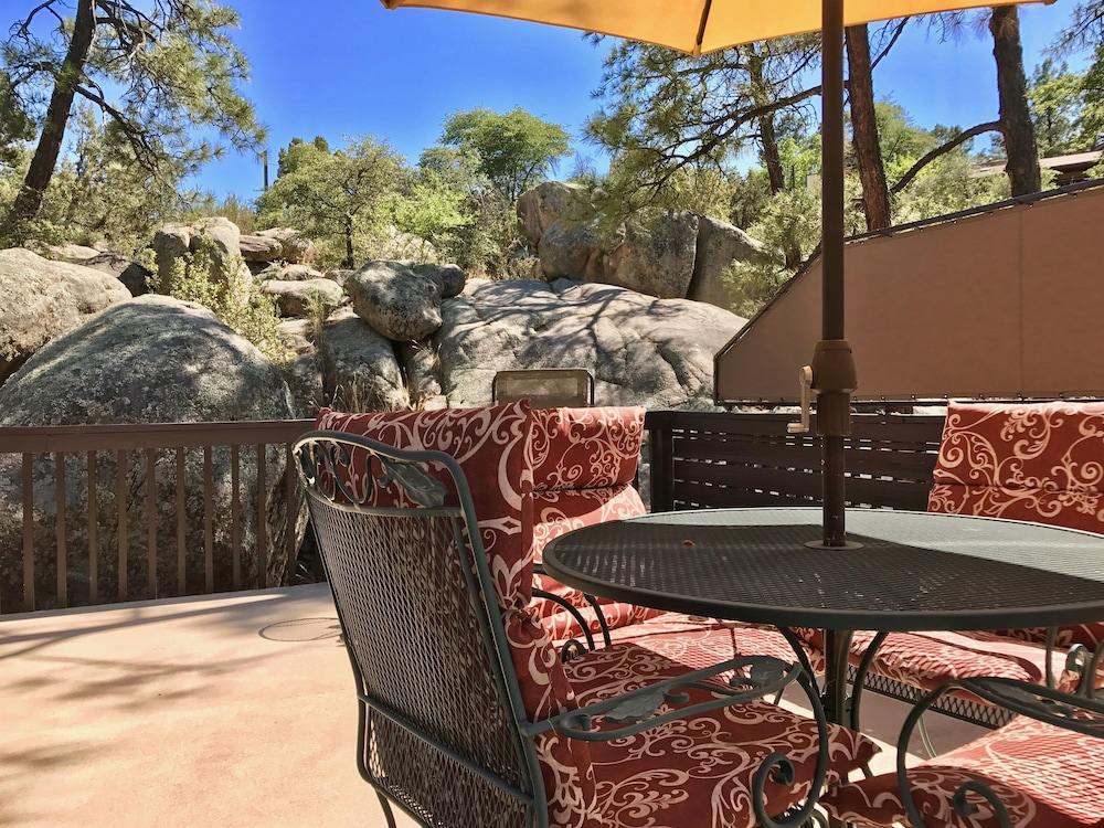 Balcony, Artist's Loft Near Historic Downtown Prescott