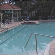 Peaceful Paradise Very Private, end Unit Condo, in Naples, Fla.,2 Bed, 2 Bath!