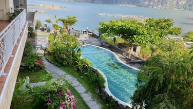 Penginapan Lakeside Cottages