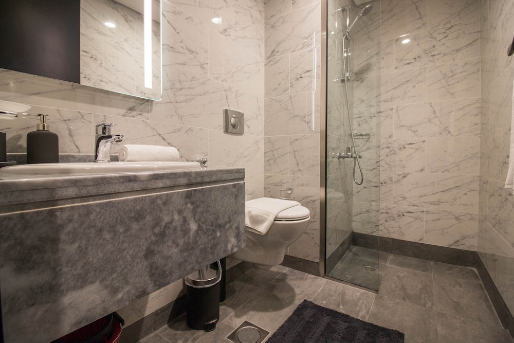 Bathroom, One Perfect Stay - MAG 603