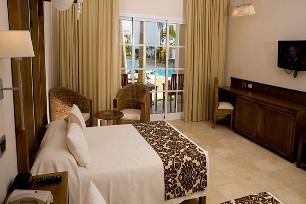 Room, Dream Suites in Costa Dorado, PP