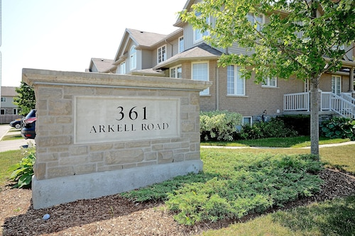 Immaculate Townhouse in Highly Sought-after South-end of Guelph