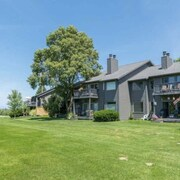 Leelanau Condo on Golf Course Close to Beaches, Wineries, Sand Dunes, and More