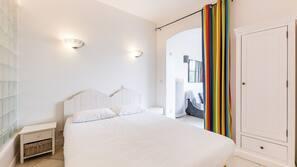 2 bedrooms, iron/ironing board, travel crib, free WiFi
