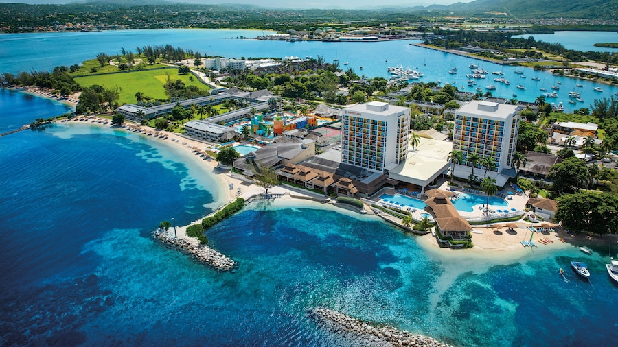 Sunset Beach Resort Spa and Waterpark - All Inclusive