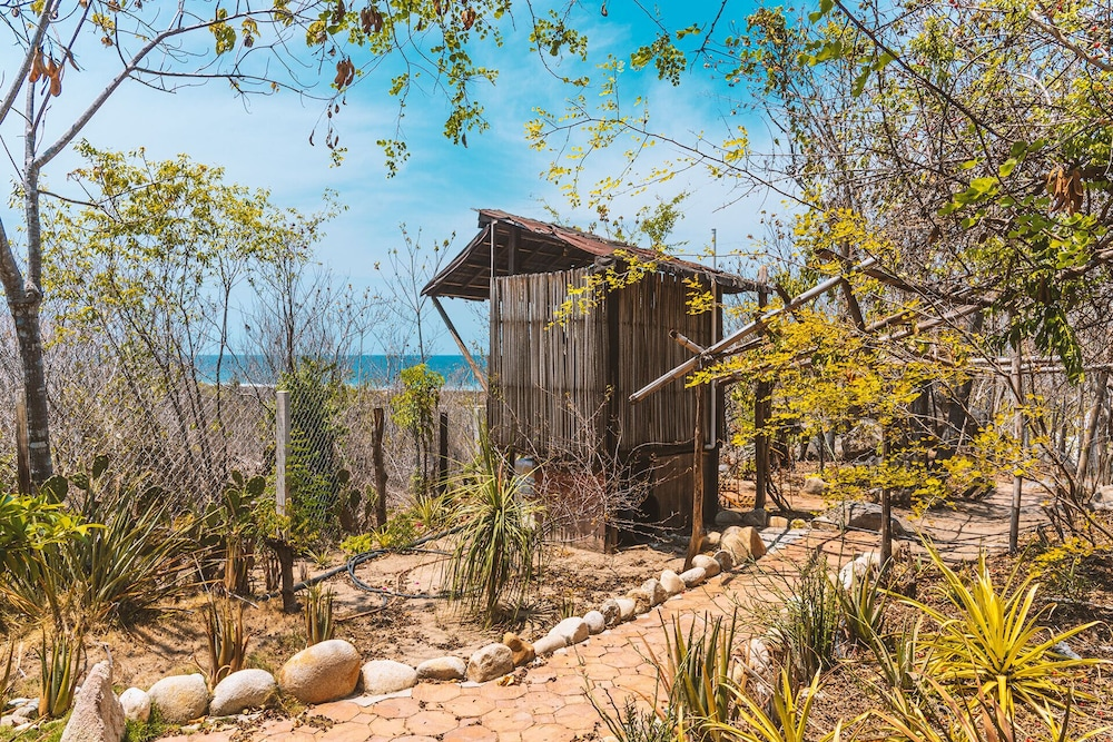 , Offgrid Superabode Domes In Front of the Ocean With Pool Near Roca Blanca