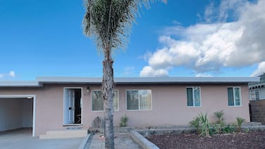 Cozy Convenient central coast, Modern style home!