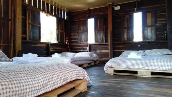 5 bedrooms, iron/ironing board, WiFi