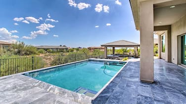 New! Spacious Scottsdale Apt: Pool/outdoor Kitchen