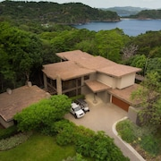 Villa Nambi All-Inclusive (BOAT, CHEF, CAR, 4 SEASONS ACCESS)
