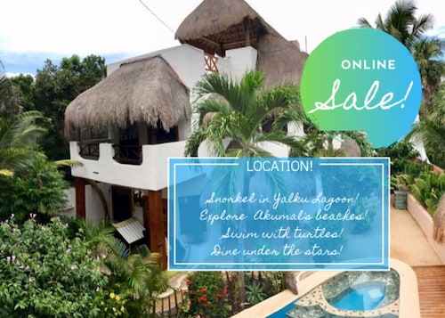 SALE!!! 4BR  VILLA | POOL | BIKES | ROOFTOP DECK | WALK TO BEACH BARS