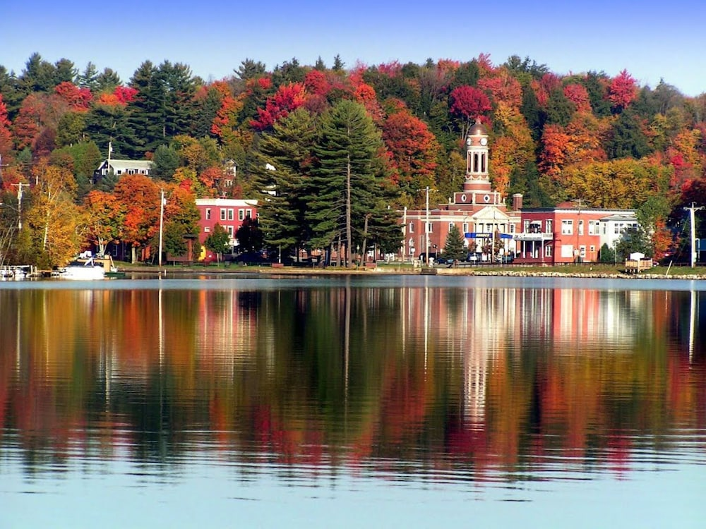 , In the Heart of Saranac Lake! Quick Stroll Along Lake Flower to Main St!