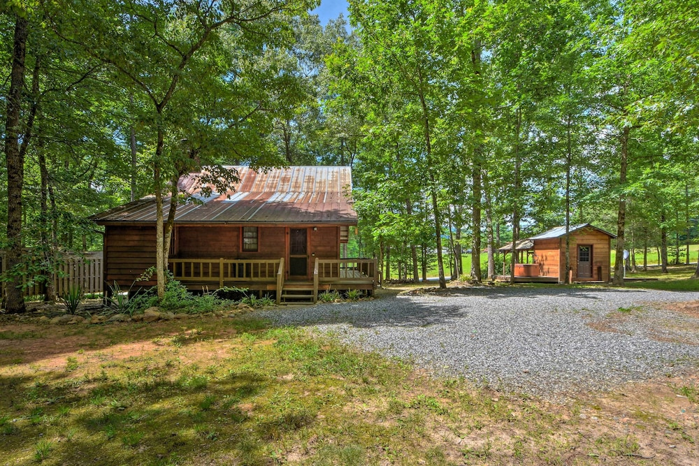 Exterior, Sweet Tea Hideaway w/ Fireplace, Trails + Angling!