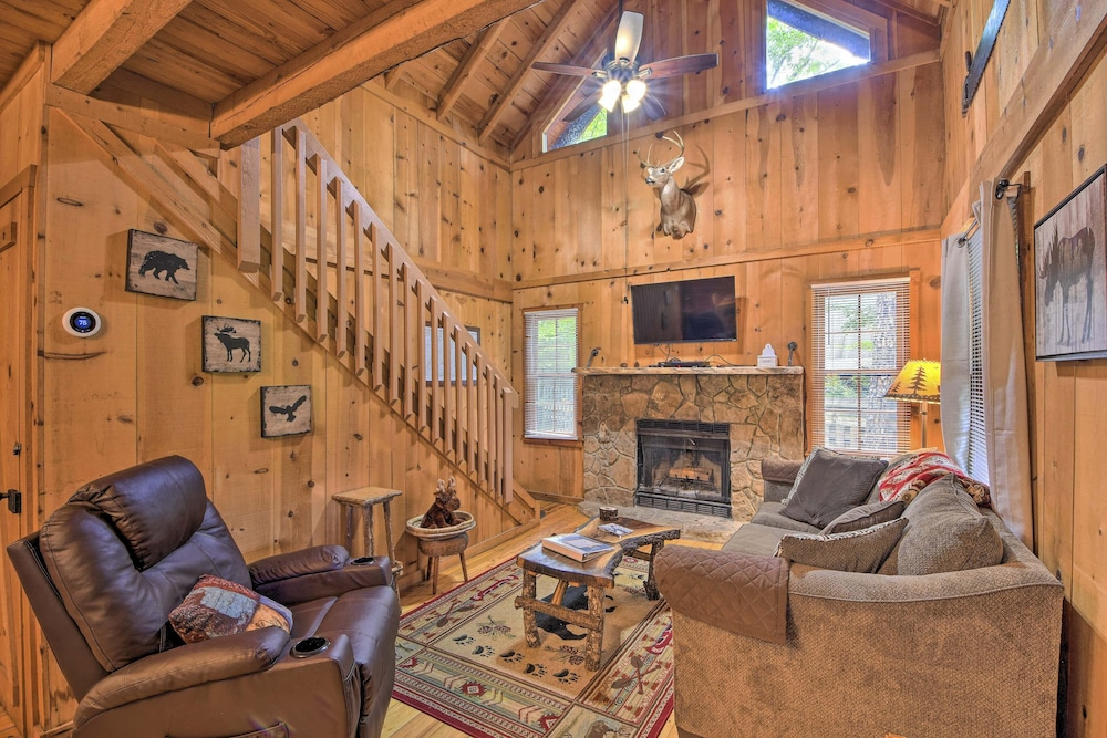 Living Room, Sweet Tea Hideaway w/ Fireplace, Trails + Angling!