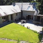 Stunning Barn Conversion, Detached Property, Welsh Countryside Close to Cardiff