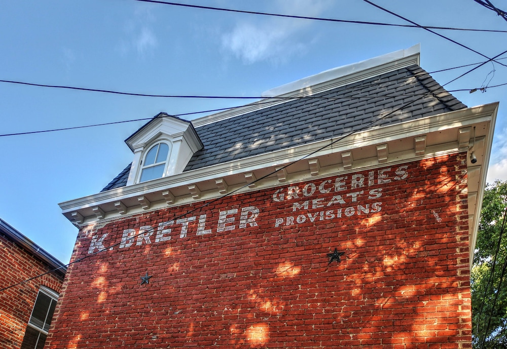 Exterior, The Bretler Grocery - A historic Cottage in the City
