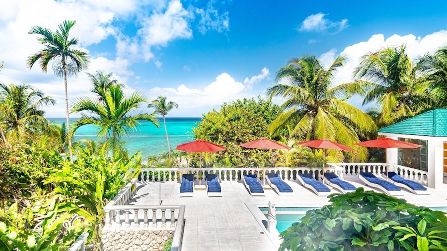 Panoramic Cottage at Love Beach - Pool