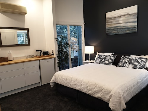 Gorgeous Studio Apartment-South Stradbroke Island
