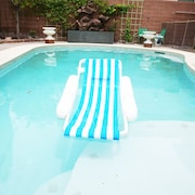Luxurious Las Vegas Oasis Pool 4bd 3bath !