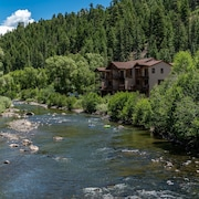 Tranquility. Onthe River. Fishing. Downtown. Hot Springs. Views. Breakfast