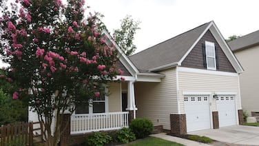 Modern home, fenced yard, close to airport, Whitewater Center, downtown CLT