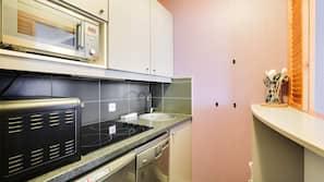 雪櫃、廚房用具/餐具/器皿