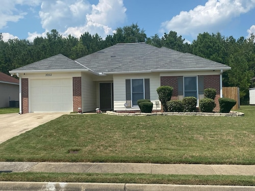 Near Ft. Benning 4 br 2 Bath Renovated Charming