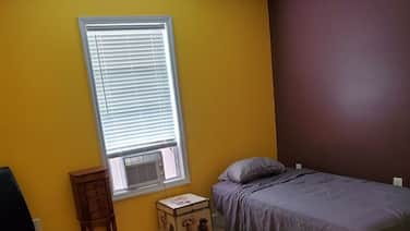 PVT room w/new mattress in large house in an exclusive neighborhood!