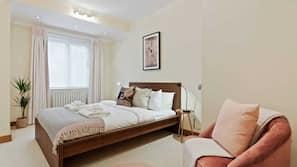 2 bedrooms, desk, laptop workspace, iron/ironing board