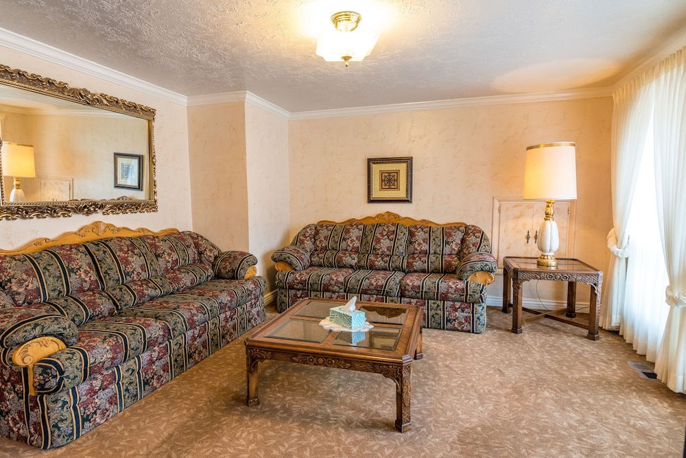 Living Room, Suburban Retreat at the Foot of the Rockies: Sleeps 22+