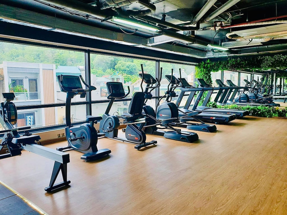 Gym, Ramada Hotel & Suites by Wyndham Halong Bay View