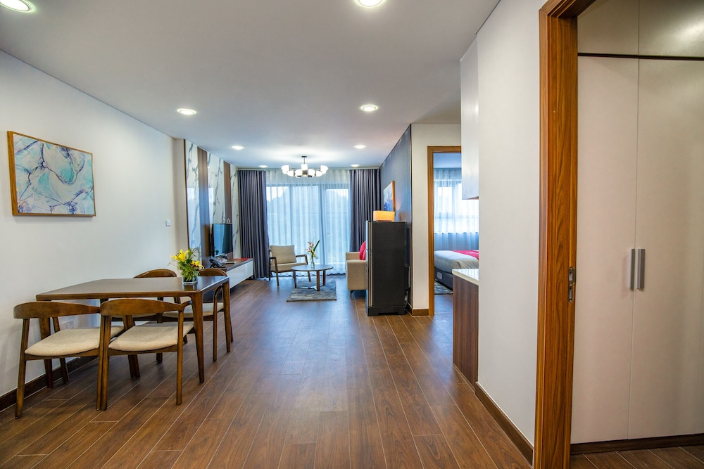 Living Room, Ramada Hotel & Suites by Wyndham Halong Bay View