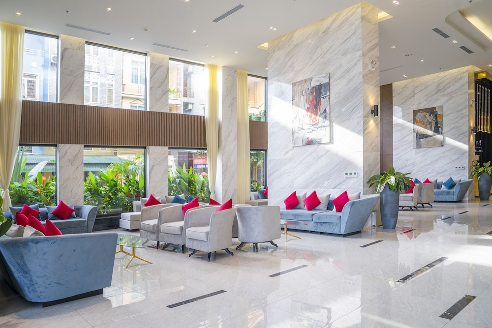 Lobby, Ramada Hotel & Suites by Wyndham Halong Bay View