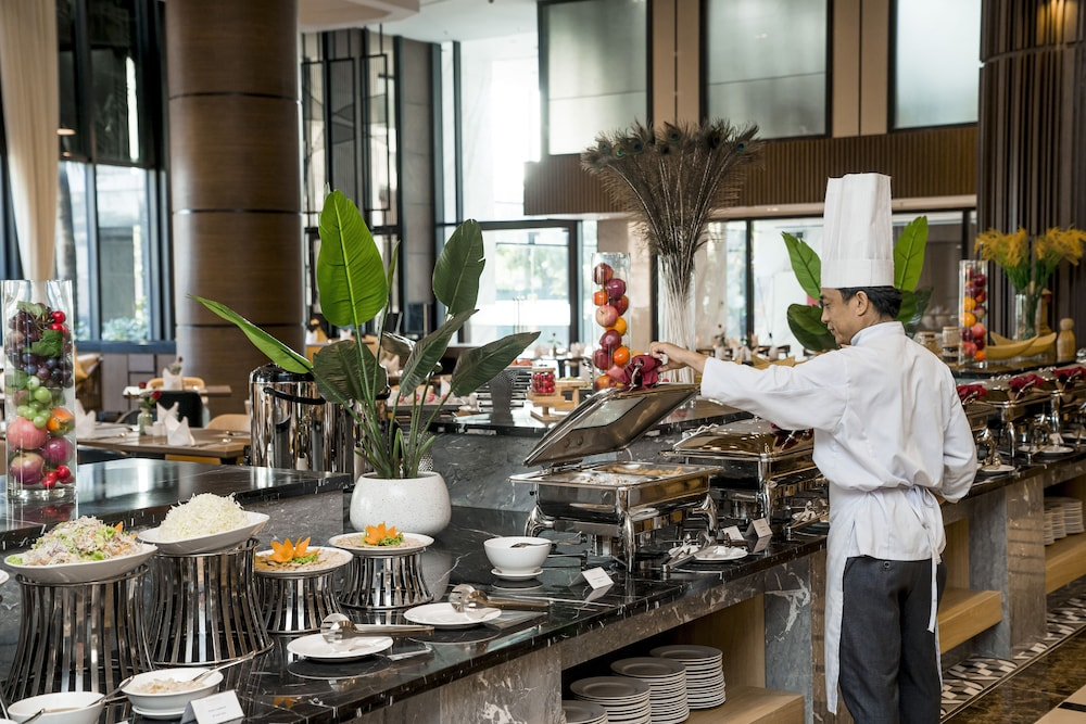 Breakfast buffet, Ramada Hotel & Suites by Wyndham Halong Bay View