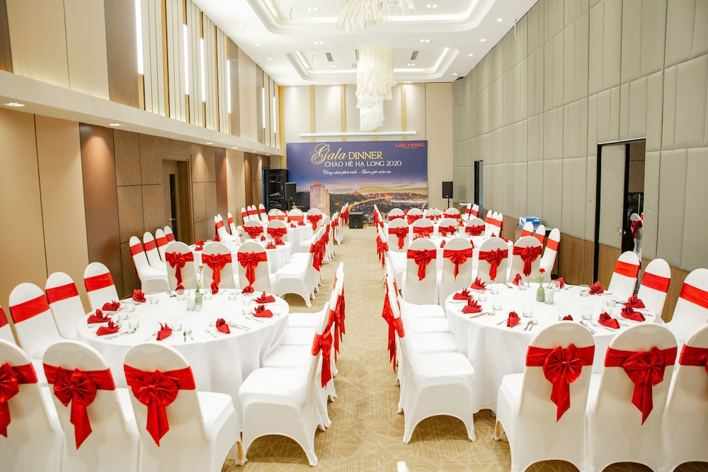 Meeting Facility, Ramada Hotel & Suites by Wyndham Halong Bay View