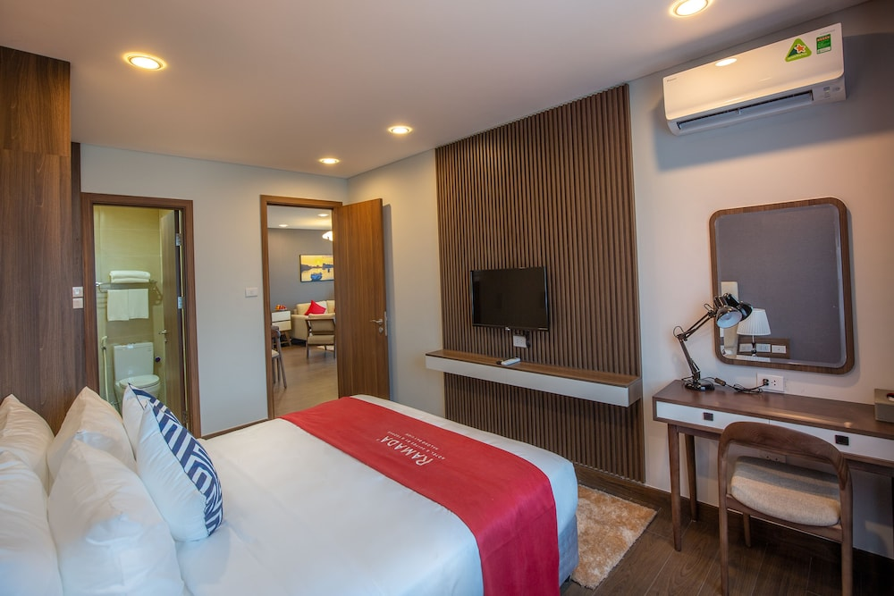 Room, Ramada Hotel & Suites by Wyndham Halong Bay View