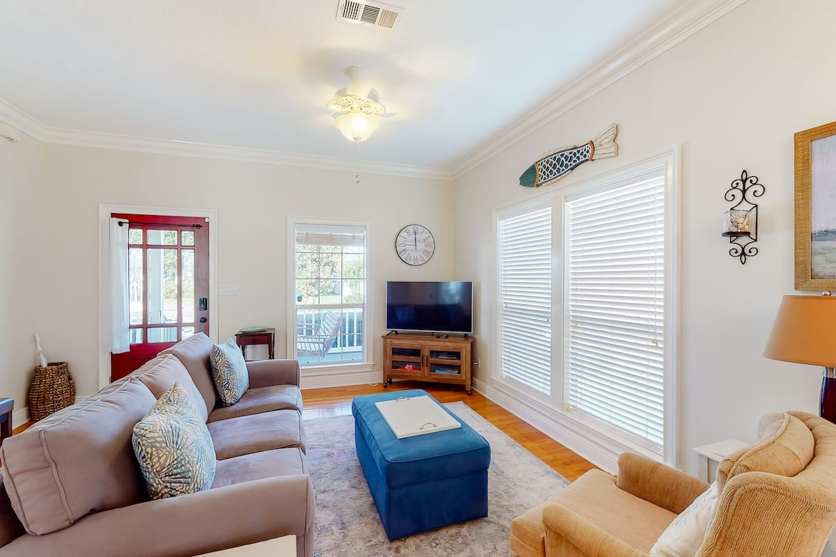 Dog Friendly Cottage In Downtown Pensacola W Central Ac Fully Fenced Backyard 2021 Room Prices Deals Reviews Expedia Com