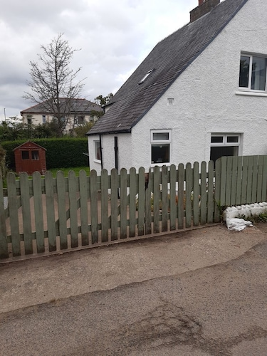 2 Bedroom Cottage in the Centre of Brodick