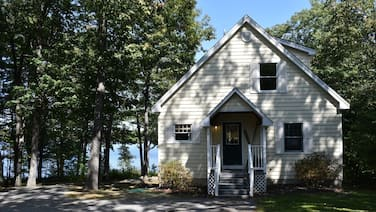 Renovated Lakefront Home With Bonus Bunk House on Long Lake