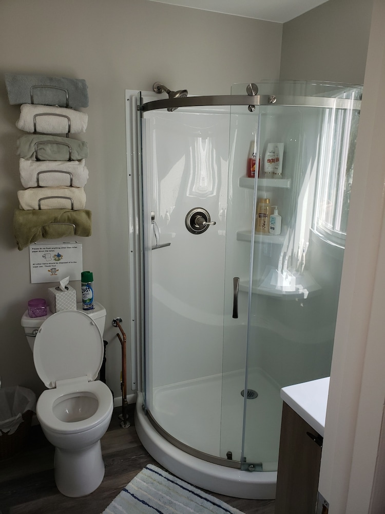 Bathroom, 1mile From Arcadia Bluffs Golf Course and Minutes From Private Beach on Lake MI