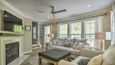 New! Modern Upscale Home 15 Mi to Downtown Raleigh