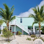 Seahorse Sunset Cottage is Your Destination Retreat