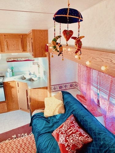 Room, Rustic Gypsy Glamping- Skywalk, Lake Mead, Site Seeing, Hiking, Fishing