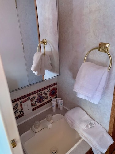 Bathroom, Rustic Gypsy Glamping- Skywalk, Lake Mead, Site Seeing, Hiking, Fishing