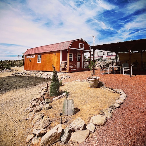, Rustic Gypsy Glamping- Skywalk, Lake Mead, Site Seeing, Hiking, Fishing
