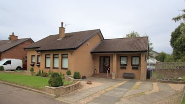 Modern Holiday Home in Doonfoot Near Ayr Beach With Garden