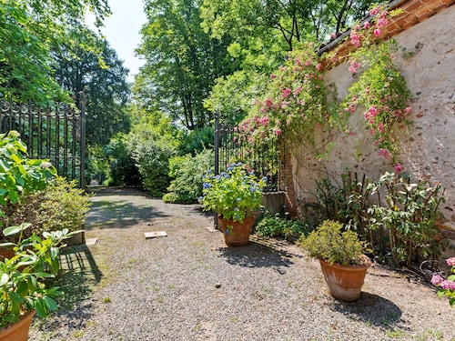 Charming Villa in Maggiora With Garden and Fireplace