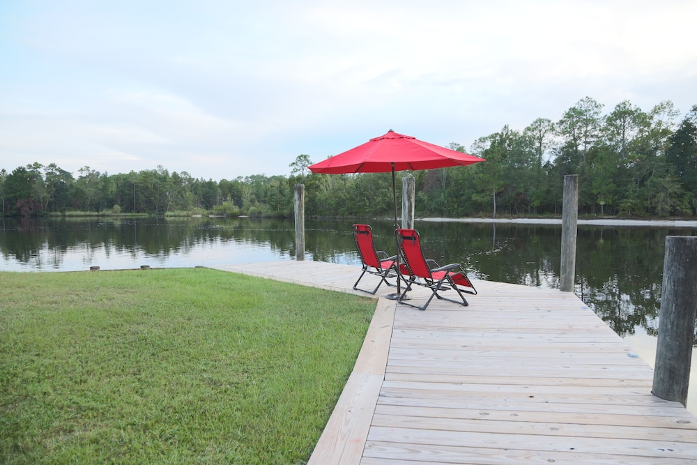 Property Grounds, Jourdan River House: Enjoy Life on the River!