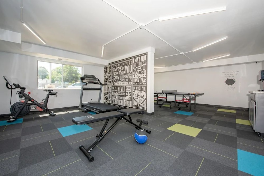 Fitness Facility, 2BR Apt & Hotel Amenities for an Epic Stay!