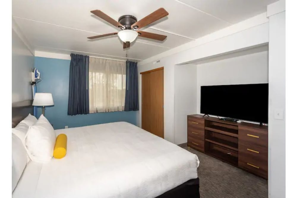 Room, 2BR Apt & Hotel Amenities for an Epic Stay!